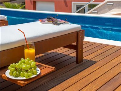 """penthouse 2 camere cu piscina privata ! vacanta de """"acasa"""" ! pret promotional ! Bucuresti"""